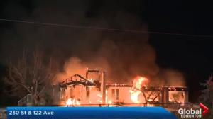 Massive fire destroys rural home in west Edmonton