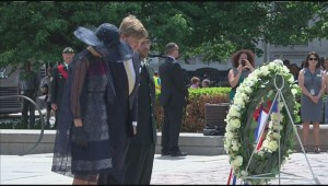 Dutch royals lay wreath at National War Memorial in Ottawa