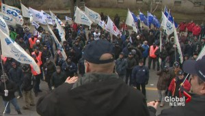 Blue collar workers defy Quebec labour board