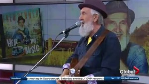 Fred Penner performs 'I Hear The Music' on The Morning Show