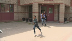 Inner-city students receive new running shoes ahead of Manitoba Marathon