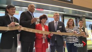 Express train from Pearson Airport to Union Station opens up