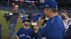'Mini Bautista' meets Toronto Blue Jays, manager