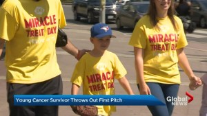 7-year-old cancer survivor throws first pitch at Toronto Blue Jays game