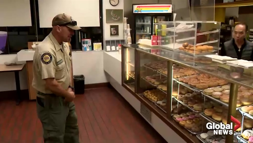 California Donut City customers buy out shop so owner can be with wife pictures