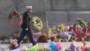 Former Marine pays tribute by guarding National War Memorial