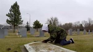 Drumheller resident honours veterans by cleaning their graves