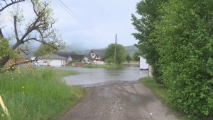 'It's scary and sad': lakefront property owners fight rising water