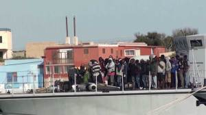 Authorities rescue 3690 migrants off Italian coast in 24 hours