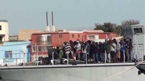 Authorities rescue 3690 migrants off Italian coast in 24 hours