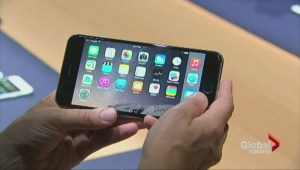 Apple pulls iOS 8 update after problems surface