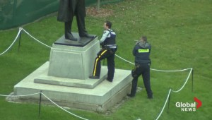 Raw video: RCMP with guns drawn patrol Parliament Hill
