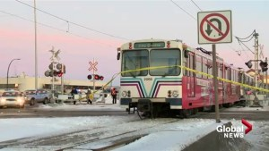 Could Calgary ban electronics on Ctrain platforms?