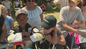 Sidney Crosby delights hometown with Stanley Cup parade