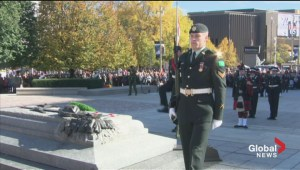 Sentries return to War Memorial in Ottawa