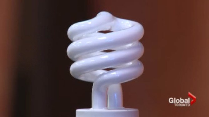 Ontario could ban compact fluorescent light bulbs from landfills - Toronto : Globalnews.ca