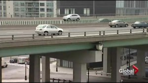 Gardiner Expressway and subway closures this weekend