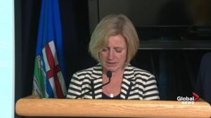 Rachel Notley confirms air tanker slid of runway in Manning, AB