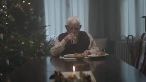 Heartbreaking Christmas ad shows man's extreme method to get family together