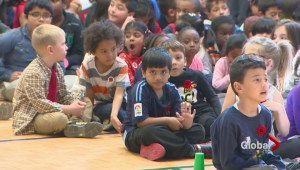 Canadian veteran teaches Toronto students importance of Remembrance Day