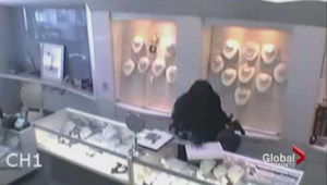 Police release video of disguised jewellery store thieves