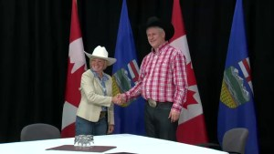 Premier Notley pushes for flood money in meeting with Harper