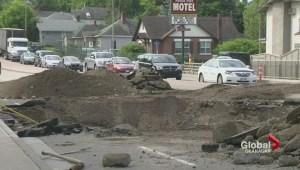 Vernon sinkhole causes Highway 97 traffic headaches