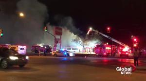 Saskatoon firefighters battle 2-alarm blaze at Bonanza Steakhouse