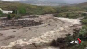 Flash flood inundates Cache Creek, B.C.