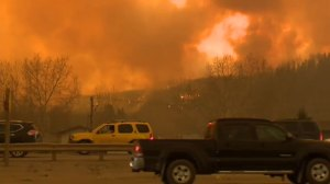 Alberta asks for military's help amid wildfire in Fort McMurray