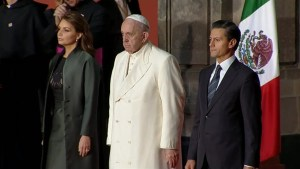 Mexican President welcomes Pope Francis at National Palace