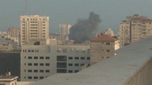 Rockets continue to rain down between Israel and Hamas as diplomatic efforts continue