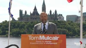 Mulcair decries Harper's economic record, promises change