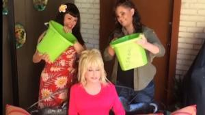 Dolly Parton takes the ALS Ice Bucket Challenge