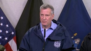 Mayor de Blasio shuts down New York City amid snowstorm