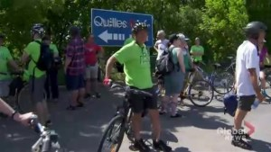 Cyclists rally to push for cyclist-pedestrian bridge on Turcot interchange
