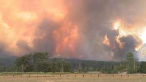 Montana's 'roaring lion' fire spreading at alarming pace
