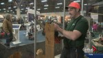 Artist turns heads at Edmonton Boat and Sportsmen's Show