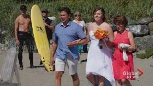 Trudeau photobombs a beach wedding shirtless in B.C. goes viral