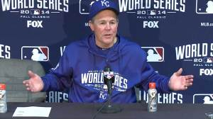 Royals manager Yost gives credit to Giants, Bumgarner