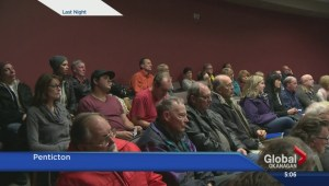 Penticton residents pack overdose info meeting