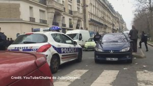 Emergency responders tend to shot policeman in Paris