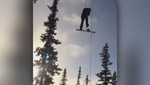 Hundreds left hanging after chair lift malfunction at Sunshine Village