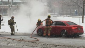 Raw video: Car fire in downtown Montreal