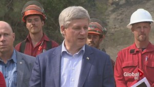 Prime Minister thanks firefighters in Kelowna.