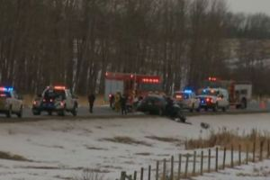One dead, multiple injured in 2-vehicle crash near Rimbey