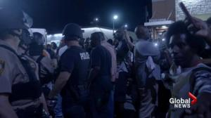 Heavily-armed vigilante militia add tension to Ferguson streets