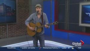 Dave Gunning Performs