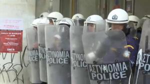 Angry farmers attempt to occupy government building in Athens