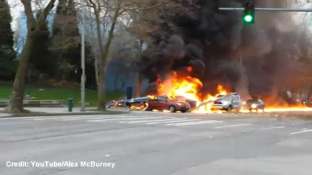 foto KOMO-TV News Helicopter Crashes, Killing Two